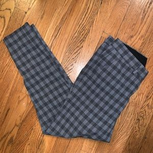 CROPPED AND TAPERED PLAID PANT